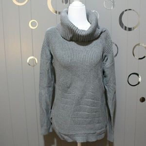 🎀Banana Republic Grey Turtle Neck Sweater